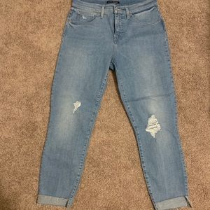 Lucky brand jeans cropped waists size 28
